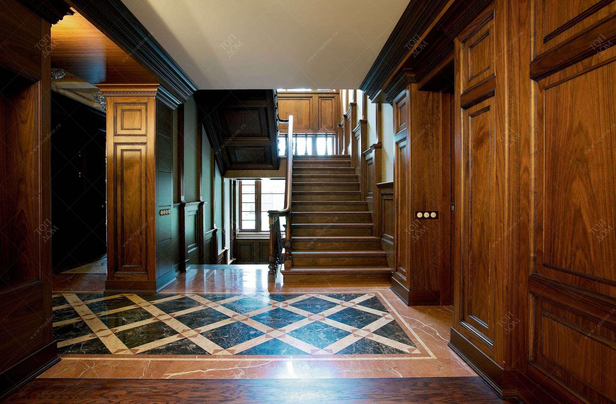 красивый холл с деревом в доме фото поверхность гармонична стиле