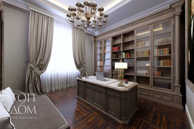 Кабинет в классическом стиле в коттедже