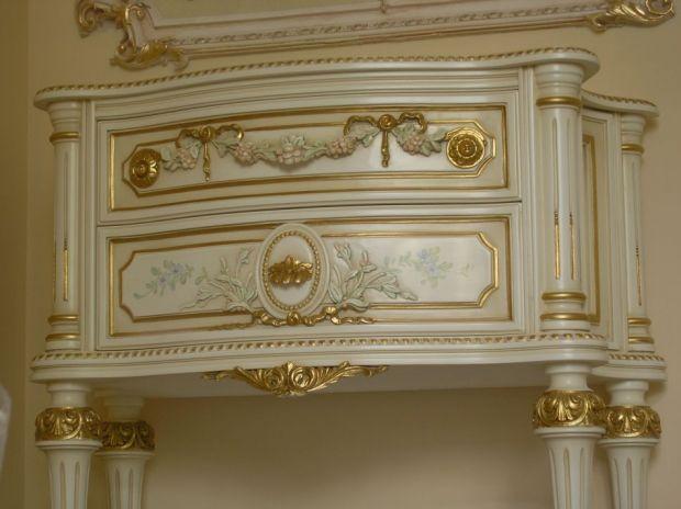 Отделка мебели золотом