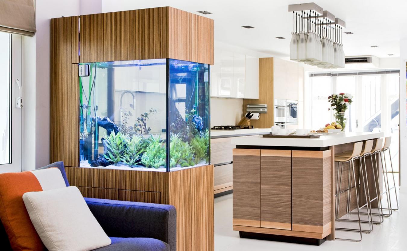 Картинки по запросу декоративные аквариумы в интерьере