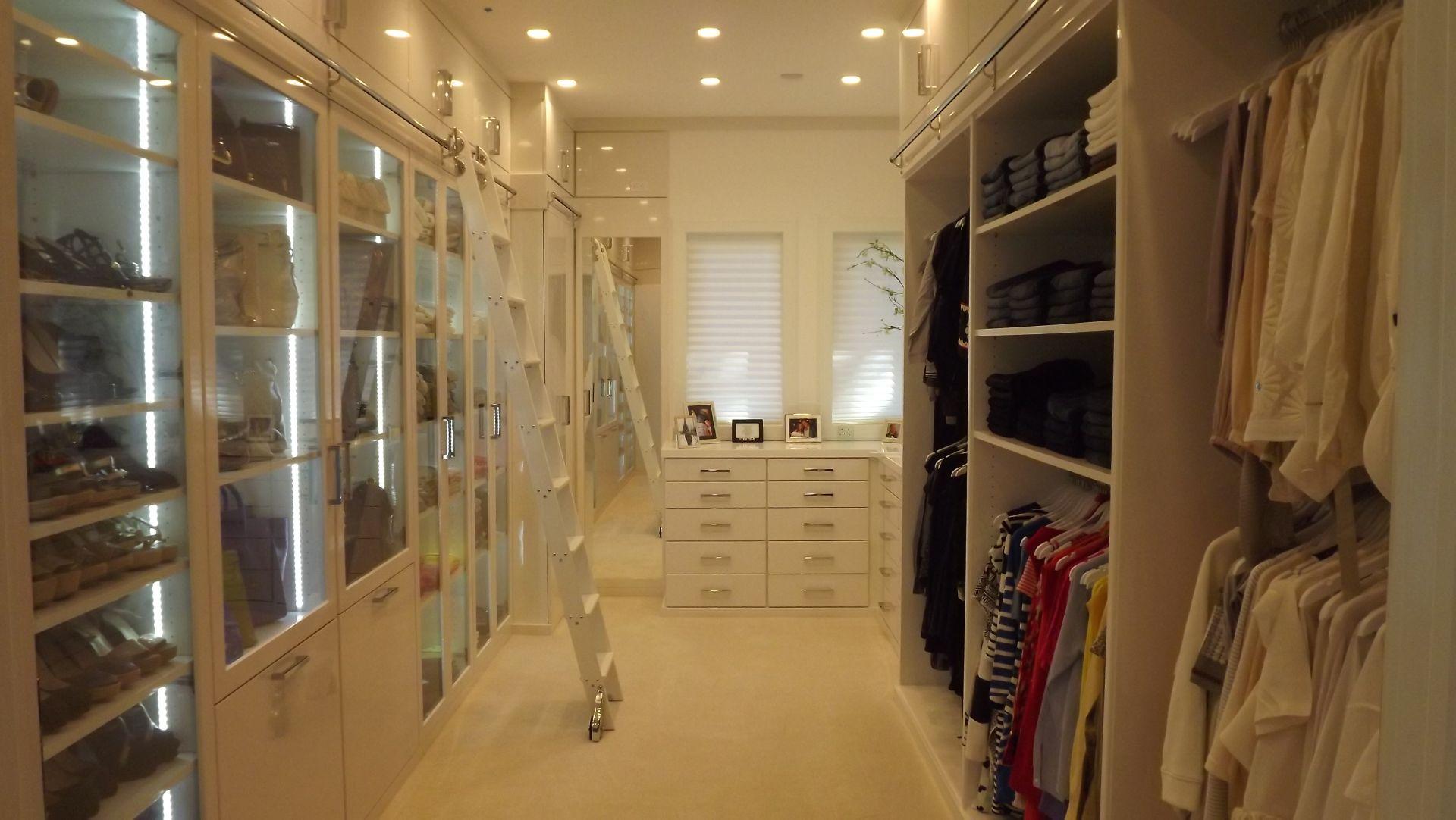 подсветка в гардеробной комнате фото