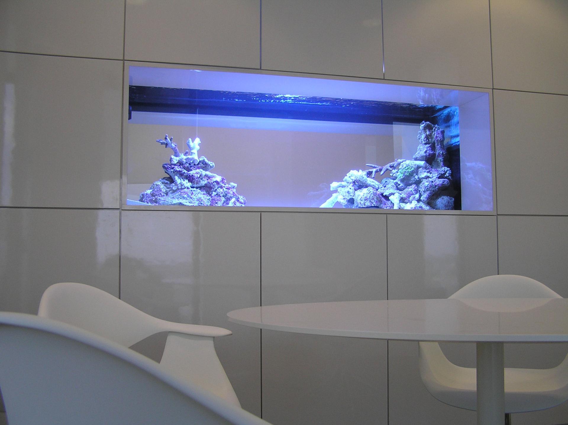 Как сделать встроенный аквариум фото