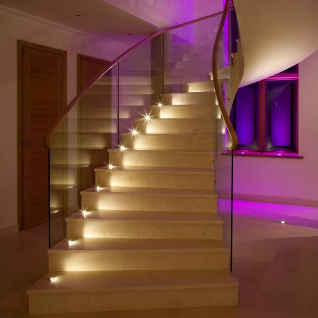 74 b Использование неоновой подсветки для дома Фото