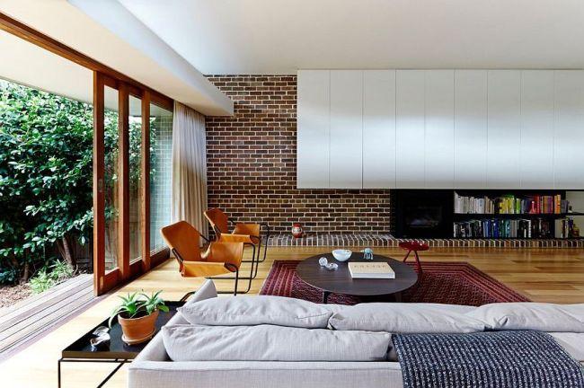 Кирпичная стена в интерьере: необычные сочетания и дизайнерские решения